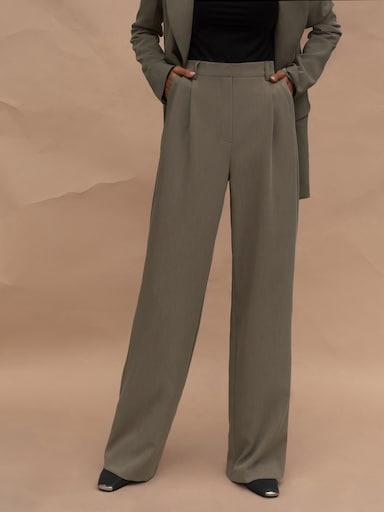 Свободные брюки прямого кроя