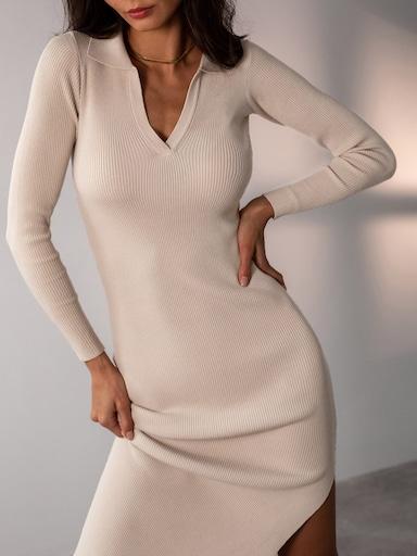Платье из вязаного трикотажа в рубчик