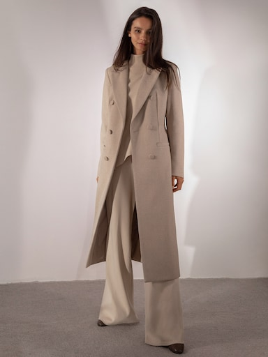 Waist-defining double-breasted wool coat