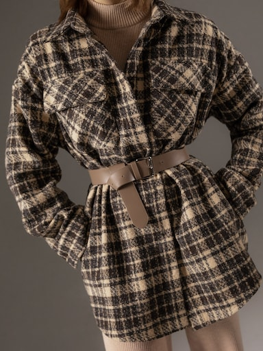 Loose-fit plaid shirt