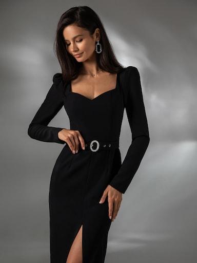 Платье-футляр с акцентным ремнем
