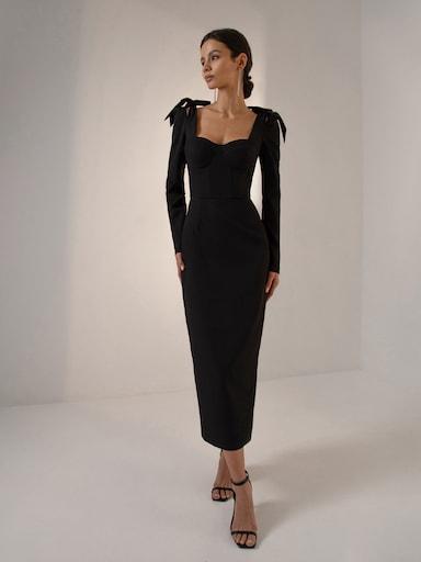 Платье с рельефным лифом