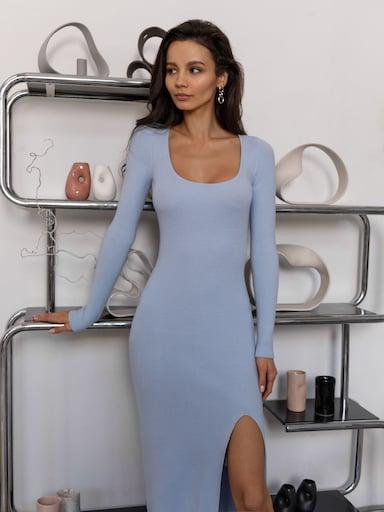 Прилегающее платье миди с разрезом