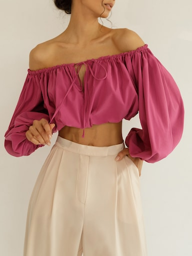 Off-shoulder gathered crop top